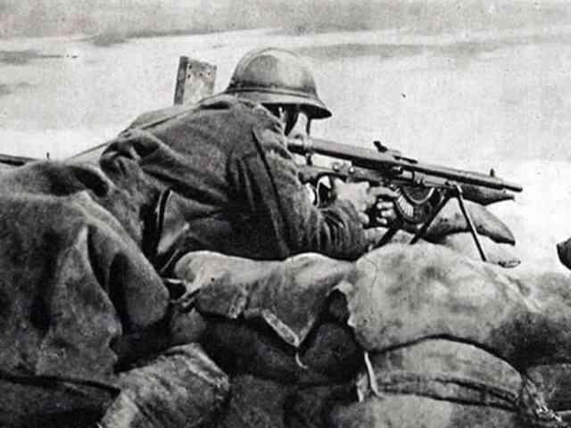 世紀の不良品!単発機銃の元祖・ショーシャ軽機関銃について!