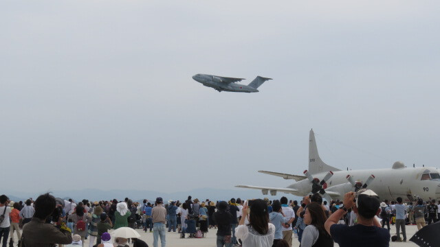 C-2の編隊飛行!美保基地航空祭2018