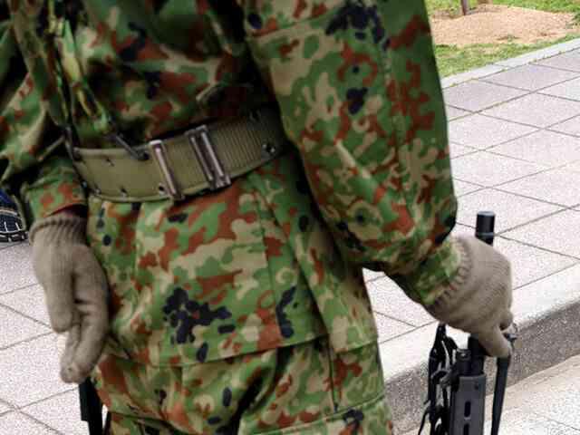 滋賀県で自衛隊演習場の敷地外に砲弾が着弾