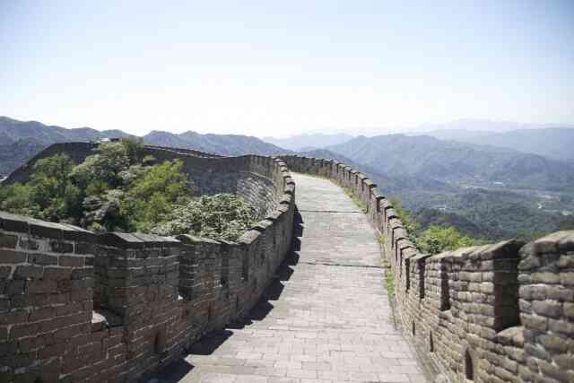 内側から開かれた万里の長城