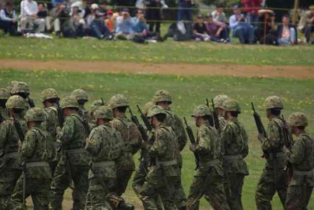 除隊後困る、自衛隊の経済事情。