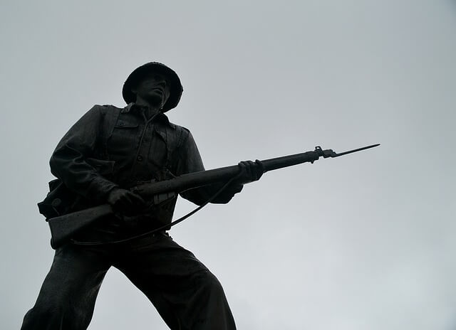 電撃戦と持久戦、どのような局面で有効なのか?