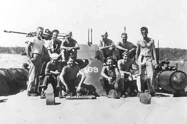 駆逐艦「天霧」による「魚雷艇PT109号」粉砕。実はあれは事故だった。